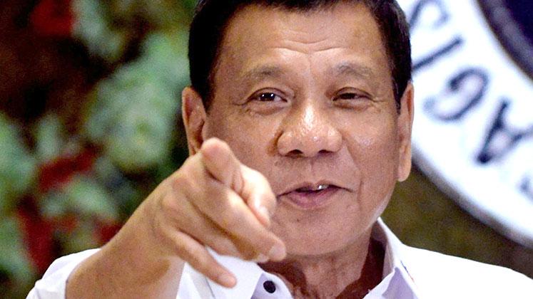 Photo of 'Tanrı aptal' diyen Filipinler lideri Duterte, Katolikleri öfkelendirdi