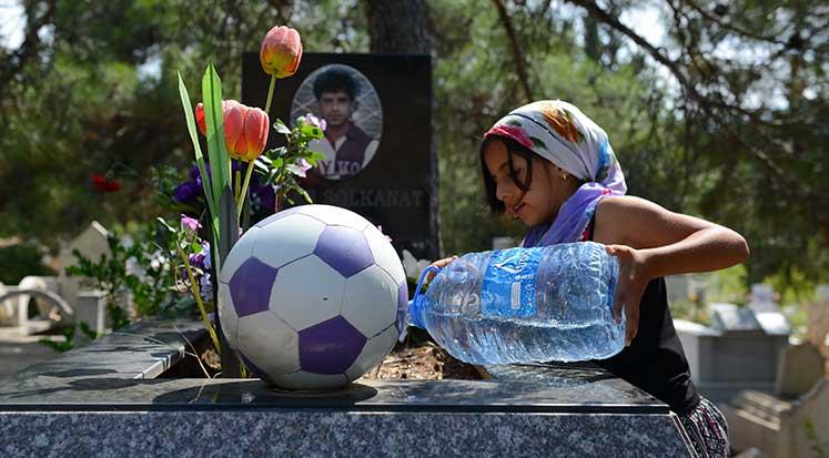 Photo of Lefke'de mezarlık çiçek bahçesine dönüştü
