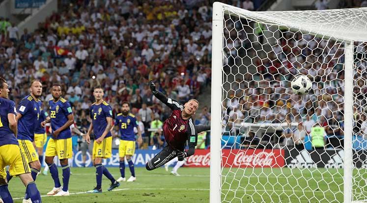 Photo of Almanya yarışı bırakmıyor: Almanya 2-1 İsveç