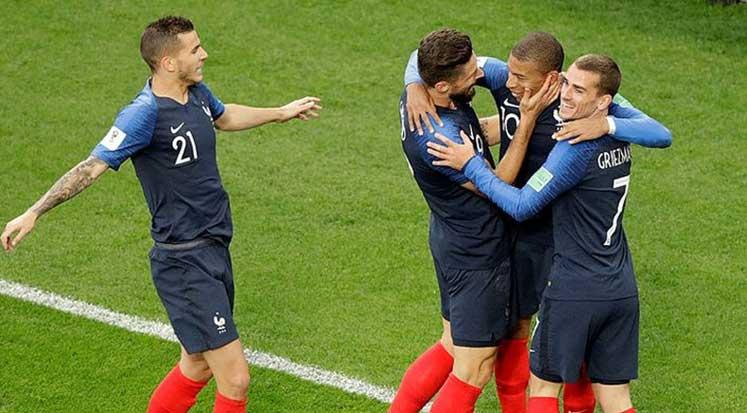 Photo of Fransa bir üst turda: Fransa 1-0 Peru