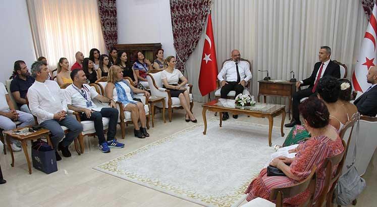 Photo of Teberrüken Uluçay, korolar festivali heyetini kabul etti