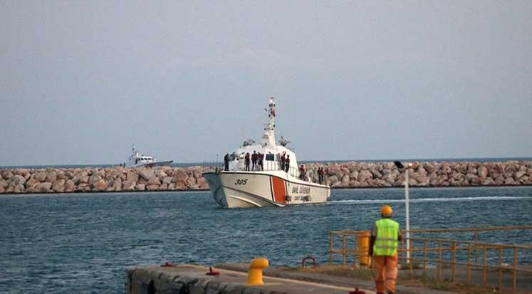 Photo of Batan teknede hayatını kaybeden göçmenlerin kimlikleri tespit edildi