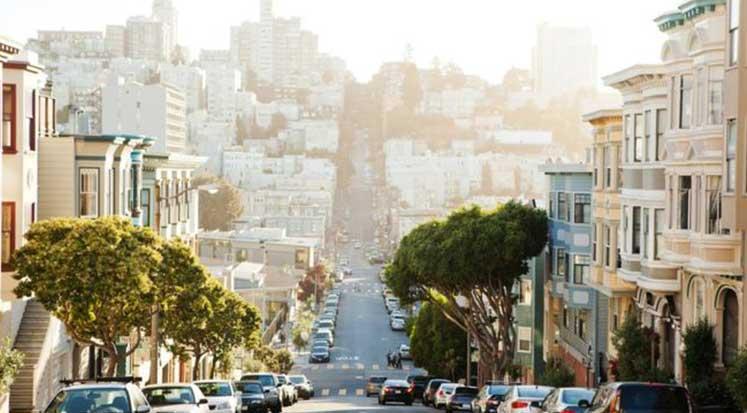 Photo of Yıllık geliri 117 bin dolar olan ailenin 'yoksul' sayıldığı kent