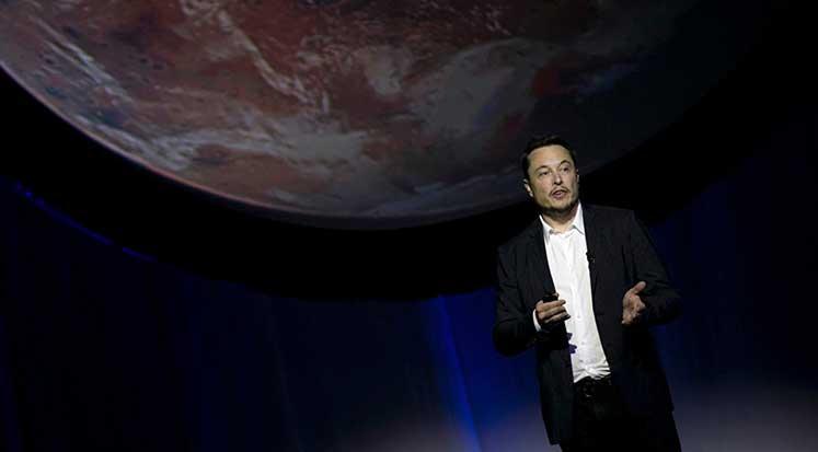 Photo of Elon Musk, Uzay'a 7500 uydu gönderecek