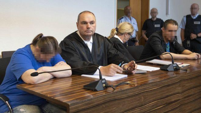 Photo of Almanya'da oğullarını pedofillere satan çifte en az 12 yıl hapis
