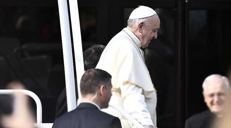 Photo of Papa'dan katolik din adamları adına özür