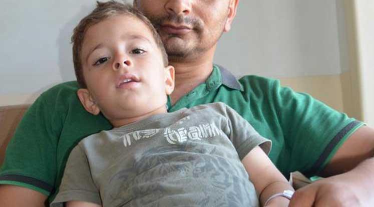 Photo of 3 yaşındaki çocuk pil yuttu