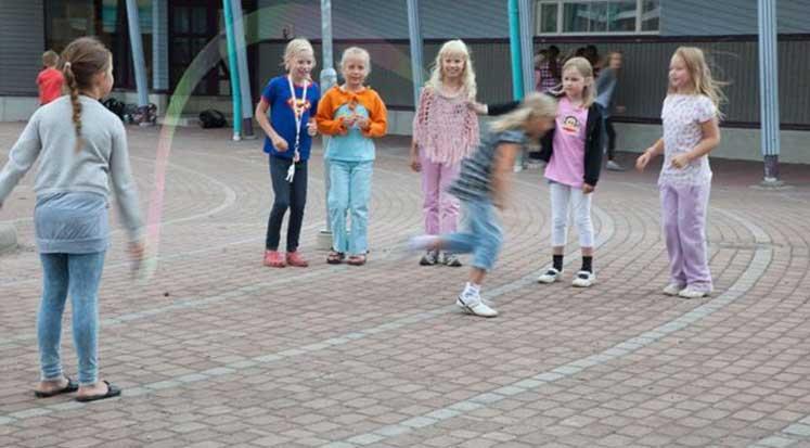 Photo of Finlandiya eğitim sistemi nasıl dünyaya örnek oldu?