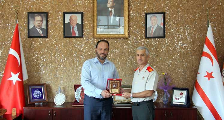 Photo of Tuğgeneral Algan'dan Sadıkoğlu'na ziyaret