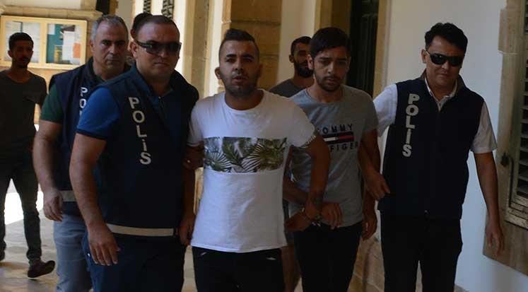 Photo of Mal sahibi hırsızları affetti