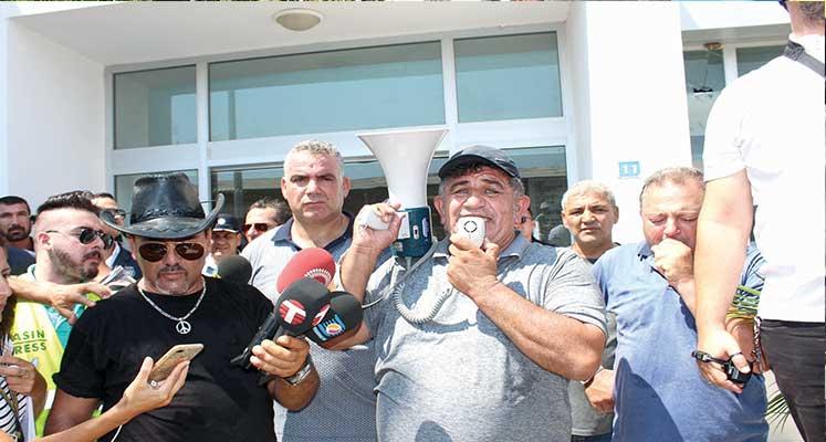 Photo of Pazartesi eyleme devam… Araçlar çekilmeyecek