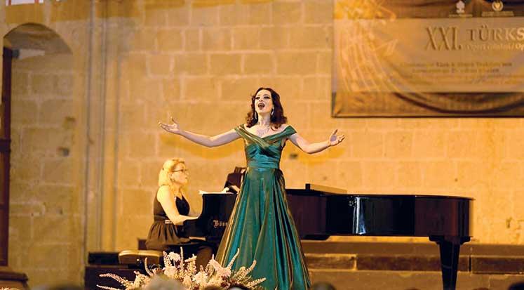 Photo of Operanın büyüsü sahneyi sardı