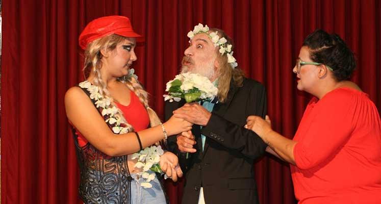 Photo of Gazimağusa Belediye Tiyatrosu Benim Oğlum Doktor oyunuyla perdelerini açıyor
