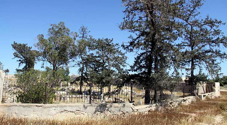 Photo of İskele'ye gayrimüslim mezarlığı