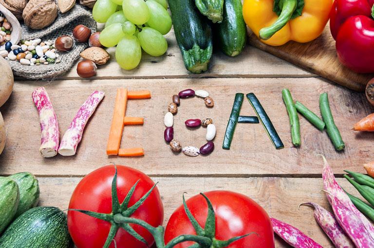 Vegan Beslenme Nedir? Vegan Diyet Sağlıklı mı? Faydaları ve Zararları