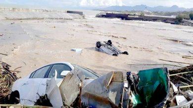 Photo of 12 ev, 93 yol, 143 araç zarar gördü