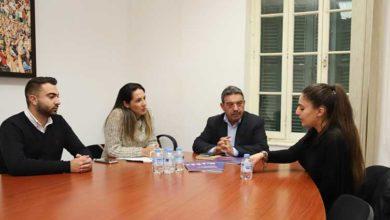Photo of Mülteci Hakları Derneği hazırladığı yasa taslağını CTP'ye sundu