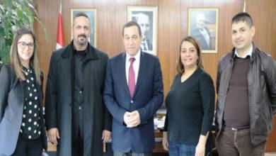 Photo of Denktaş, Umut Otizm Derneği heyetini kabul etti