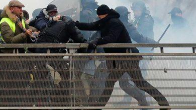 Photo of Polisleri dövüp Sarı Yelekler'in kahramanı haline gelen boksör, teslim oldu