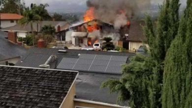 Photo of ABD'de küçük uçak evin üzerine düştü.. 5 kişi öldü, 2 kişi yaralandı