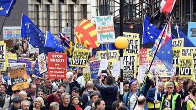 Photo of İngiltere'de yeniden referandum yapılmasını isteyen AB yanlısı 1 milyon kişi Londra'da sokağa çıktı