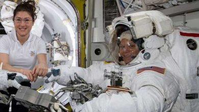 Photo of İki kadın astronotun birlikte yapacağı ilk uzay yürüyüşü 'kıyafet sıkıntısı' nedeniyle iptal edildi