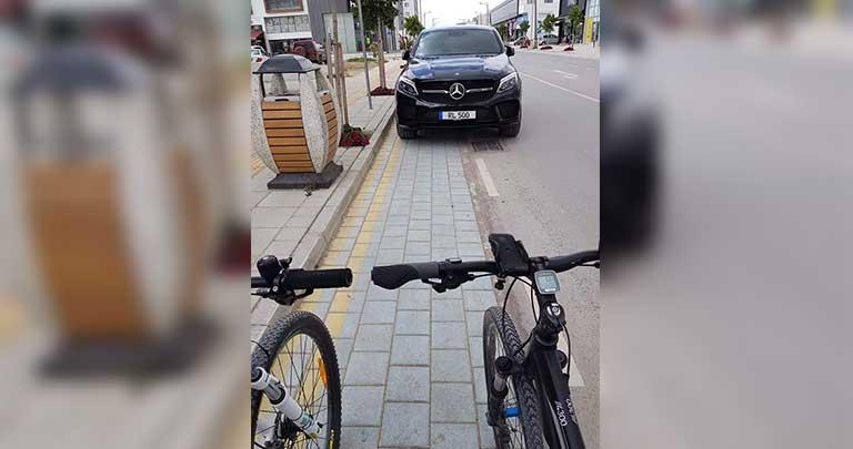 Bisiklet yoluna park