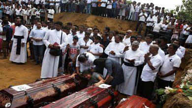 Photo of Sri Lanka'da yaşamını yitirenlerin sayısı 310'a yükseldi, OHAL ilan edildi