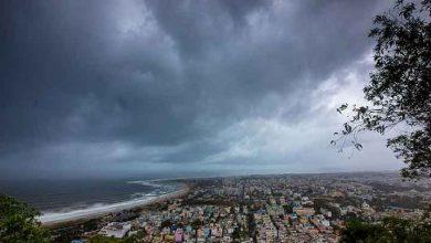 Photo of Hindistan, kasırga tehlikesi yüzünden 800 bin kişiyi tahliye etmek için alarma geçti