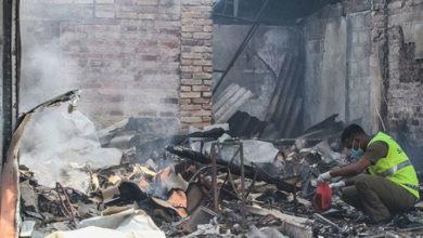 Photo of Sri Lanka'da Müslümanlara ait fabrika ateşe verildi