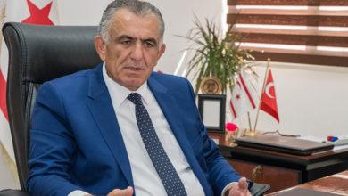Photo of Çavuşoğlu: İngiltere'de yaşayan Kıbrıslı Türklerin çocuklarının dillerini ve kültürlerini öğrenmeleri için her türlü katkıyı yapmak zorundayız