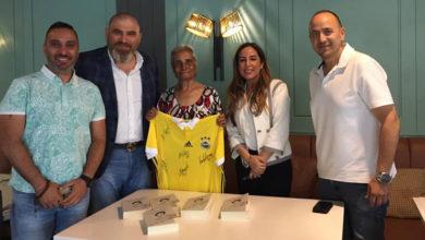 Photo of Fenerbahçeliler Berkalp'ı ziyaret etti