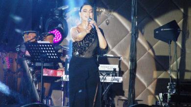 Photo of Gündeş'den sözlü, şovlu konser