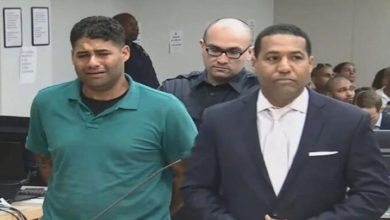 Photo of Arabada unutulan ikiz bebekler yaşamını yitirdi, baba 'cinayet' ile suçlanıyor