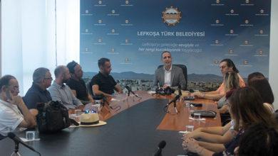 Photo of Lefkoşa Şarkı Sözü Yarışması'nda dereceye girenlere ödülleri verildi