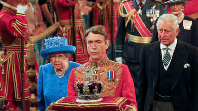 Photo of İngiltere'de parlamentonun kraliyete karşı üstünlüğü tarihte nasıl şekillendi?