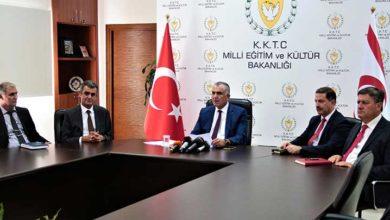 Photo of Çavuşoğlu: Sansür tartışması sanat özgürlüğüyle ilgili değil