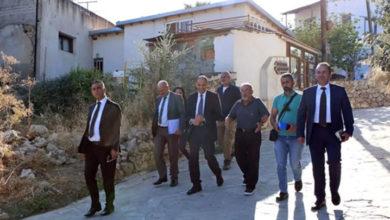 Photo of Özersay, Bağlıköy'ü ziyaret edip tarihi değirmenlerde incelemelerde bulundu