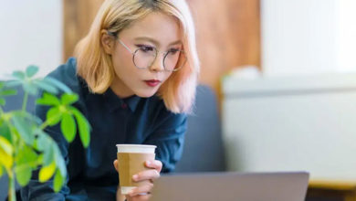 Photo of Gözlük takması yasaklanan Japon kadınlar uygulamaya tepkili