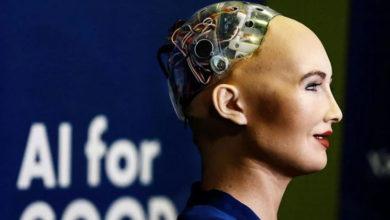Photo of İnsansı robot Sophia, çizdiği portre ile herkesi şaşkınlığa uğrattı