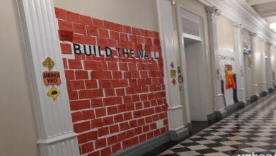 Photo of Beyaz Saray'ın Cadılar Bayramı partisinde çocuklara 'duvar inşa ettirildi'