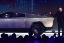 Photo of Elon Musk sahnede zor anlar yaşadı, yeni aracın camları tanıtımda kırıldı