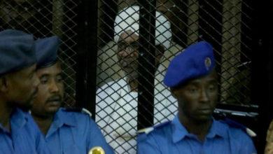 Photo of Yolsuzluktan yargılanan El Beşir'in cezası belli oldu