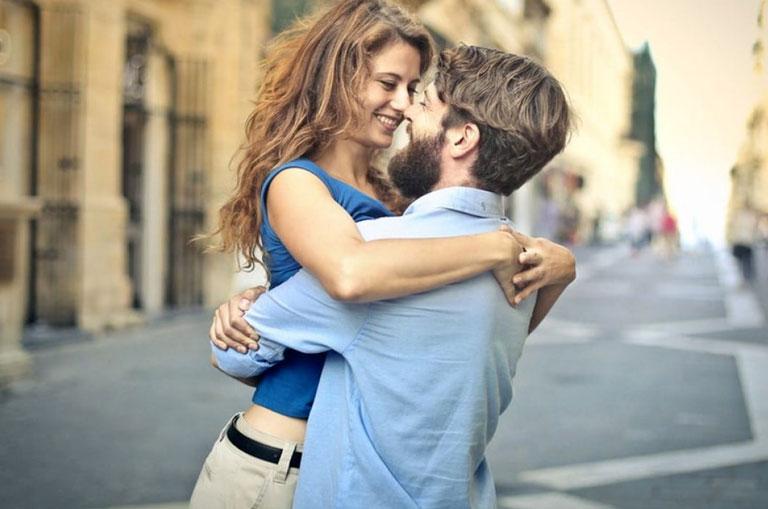 Oksitosin Hormonu (Aşk Hormonu): Oksitosin Nedir ve Ne İşe Yarar?