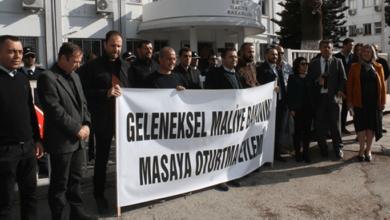 """Photo of """"Geleneksel Maliye Bakanını Masaya Oturtma Eylemi düzenlendi"""""""