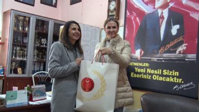 Photo of Meclisten çocuklara çanta armağanı