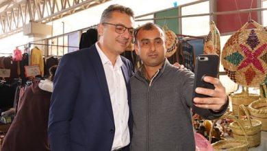 Photo of Erhürman Mağusa Belediye Pazarını ziyaret etti
