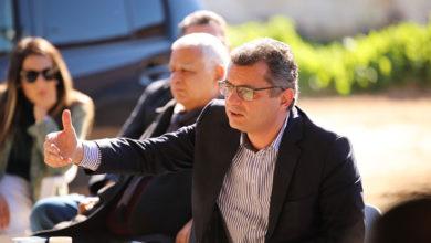 Photo of Erhürman, Mutluyaka, Tuzla ve Dipkarpaz'ı ziyaret ederek bölge halkıyla bir araya geldi
