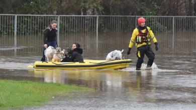 """Photo of Dennis Fırtınası nedeniyle İngiltere'nin bazı yerleri için """"kırmızı alarm"""" verildi"""