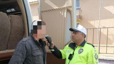 Photo of Servis şoförü alkollü çıktı, öğrencileri okula polis bıraktı